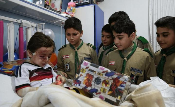 Le stragi di Daesh a Beirut negli occhi del piccolo Haidar. Che ha perso tutto Libano. Il giornalista e analista politico Moe Ali: «Anche noi desideriamo una vita normale»